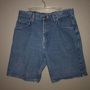 Wrangler Relaxed Fit Dad Jean Shorts